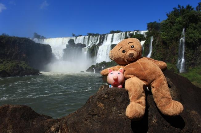 Peggy aux chutes d'Iguazu. Avec Sax !