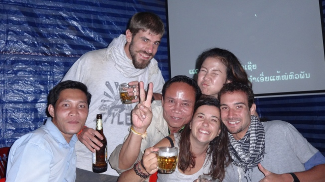 Défi de thibault : Offrir la tournée aux Laos ou mettre fanny un laos à la pétanque !