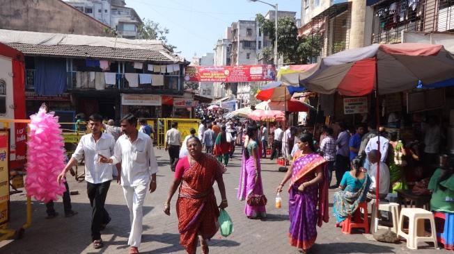 Au porte du plus populaire des temples de mumbai, dédié à la déesse de prospérité.