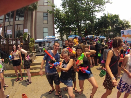 A la gueeerre au Songkran Festival