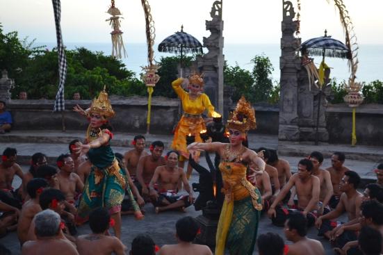Les danseurs du Kechak Fire Dance