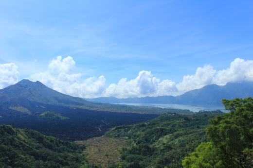 Le mont Batur et son lac
