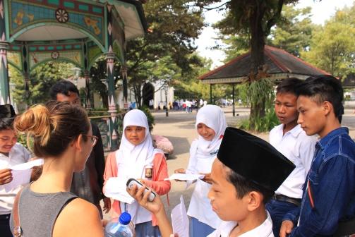 Aurore et les étudiants indonésiens.