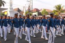 Le défilé des policiers javanais