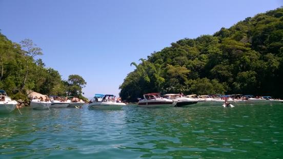 Les bateaux bien rangés au Lagoa Verde