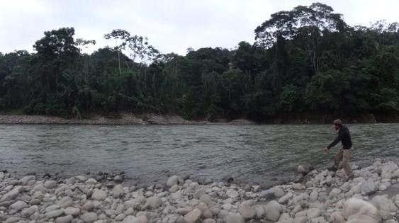 Au bord du rio, à Villa Tunari