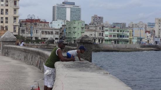 Cuba - La Havane - Balade du Malecon (18)